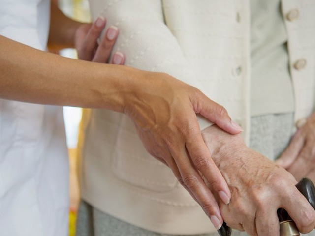 Care homes offered cash to take coronavirus patients quickly to free up NHS beds