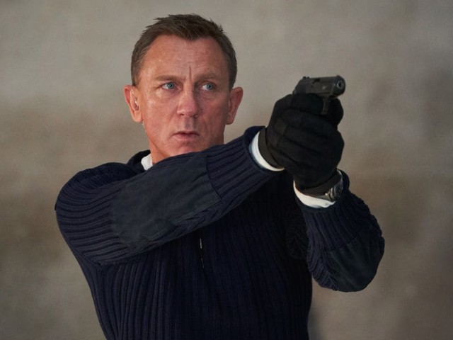Apple reportedly considered buying the latest Bond movie but balked at the price. If it wants Apple TV+ to be taken seriously, it should pay whatever it takes.