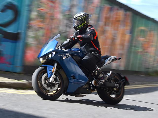 Electric motorbike review: Zero Motorcycles SR/S