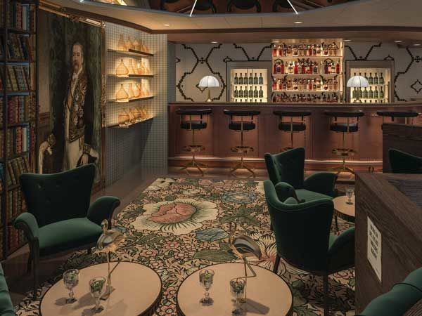 Opulent Cruise Ship Pubs - The Bonded Store Cocktail Bar Offers Craft Cocktails While at Sea (TrendHunter.com)