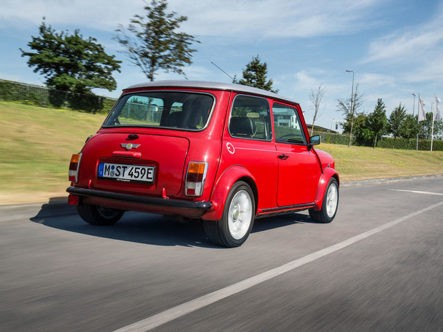 First drive: Classic Mini Electric driven on UK roads