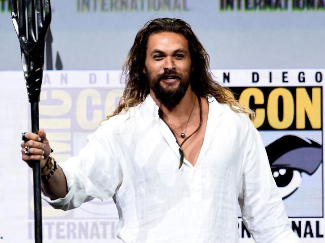 Jason Momoa Wields Aquaman's Trident on Comic-Con Stage!