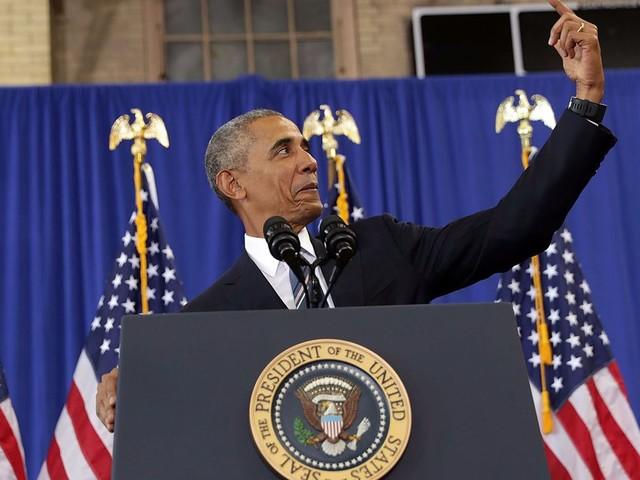 Barack Obama just explained why he hates taking selfies
