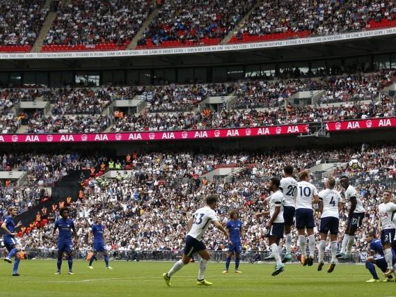 Alonso brace boosts Chelsea, Huddersfield win again