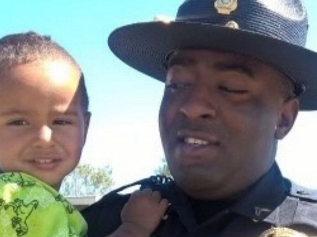 Police officer responding to emergency call saves own family from burning home