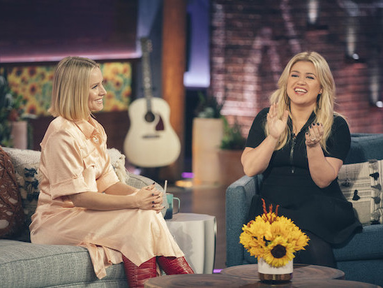 How Kelly Clarkson's Talk Show 'Kellyoked' Its Way to the Hottest Syndicated Launch Since 2012