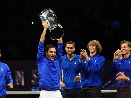Quickfire Federer two wins from oldest No 1 spot