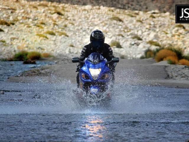VIDEO: Limited Edition Suzuki Hayabusa Vs Leh And Ladakh
