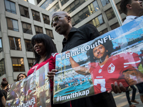 Colin Kaepernick's Supporters Rally In NYC; Hank Aaron Says He'll Boycott NFL
