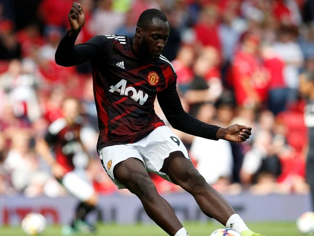 Manchester United 1-0 West Ham United live score and goal updates as Romelu Lukaku opens scoring on his debut