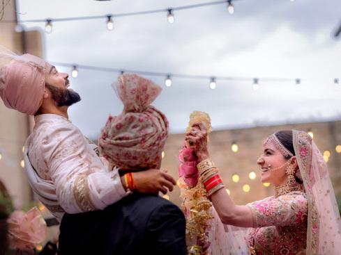 Indian cricketer Kohli, Bollywood's Sharma marry in Italy