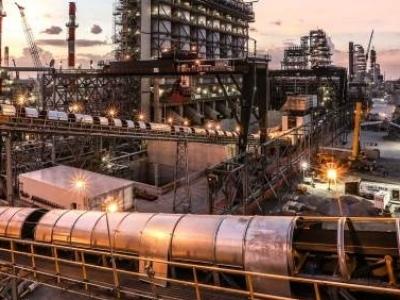 Bearish News Mounts For Oil Markets
