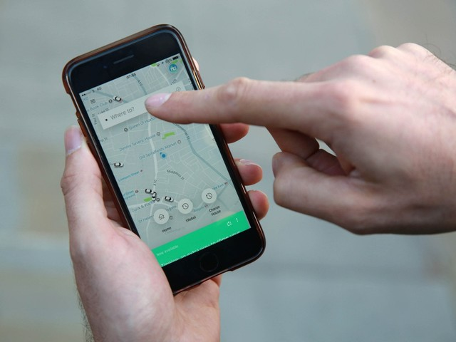 Uber awaits TfL decision on operating in London with licence set to expire today
