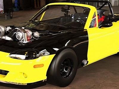 "Mazda Miata ""Snail Sprinter"" Looks Like a Quarter-Mile Boss"