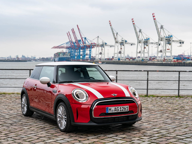 VIDEO: 2021 MINI Cooper S reviewed on Autocar