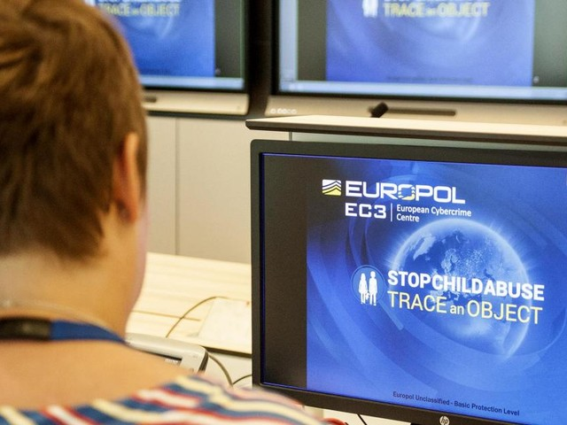 Europol launches campaign for 'most wanted women'