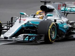 Lewis Hamilton takes pole for F1 British GP for 5th time