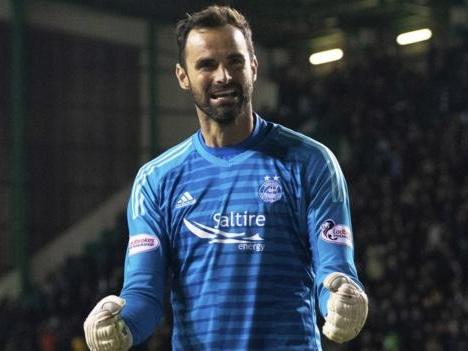 Hibernian 0-0 Aberdeen (5-6 pens): Dons win shoot-out to reach last four