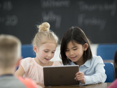 Screen time: Three ways to protect kids' eyes
