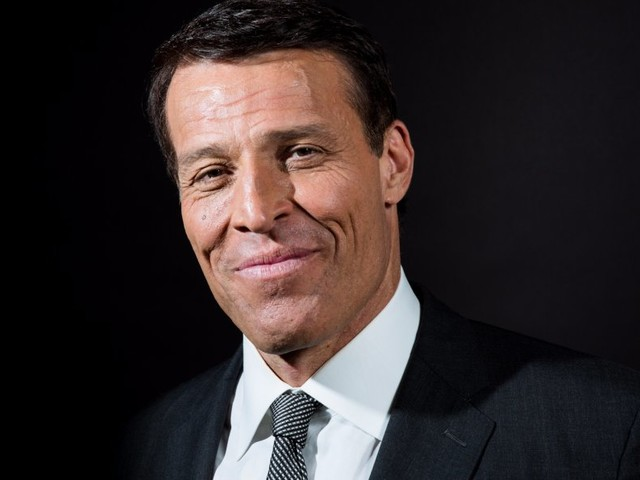 After interviewing more than 50 of Wall Street's best investors, Tony Robbins found the best investing advice for average people is remarkably simple