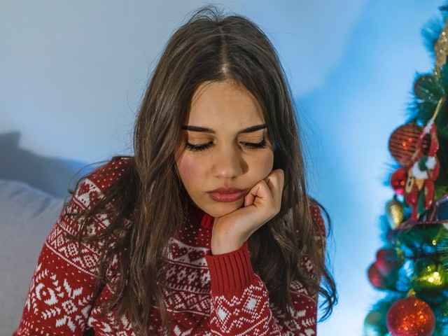 8 Holiday Breakup Stories That Are Neither Merry Nor Bright