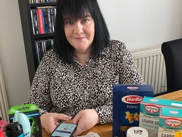 Mum saves £1,000 on cost of supermarket shopping, so gives half of it away