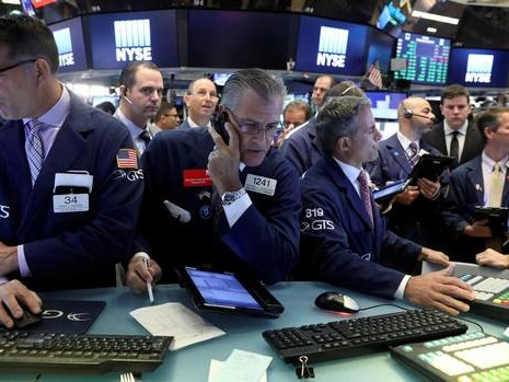 At midday: TSX slips as oil prices weigh on energy shares