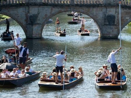 Bank holiday Monday set to be another scorcher, Met Office says