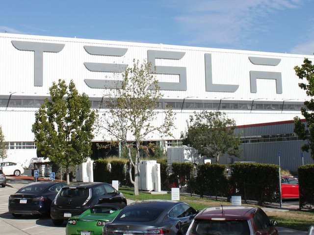 Leaked email reveals Tesla is starting up production at its US car factory for the first time in over a month (TSLA)