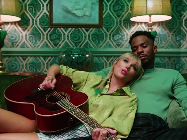 10 Romantic Music Videos That'll Make You Grab The Tissues, Stat