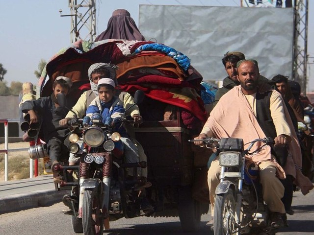 US and Taliban 're-set' deal after more than 5,000 Afghan families displaced