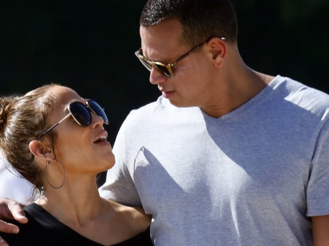 Jennifer Lopez shares more majorly loved up pictures from romantic Paris getaway with Alex Rodriguez