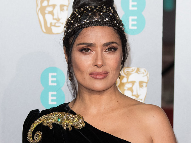 BAFTAs 2019: Salma Hayek's Lizard Brooch Caught Our Eye, Here's How To Shop The Look