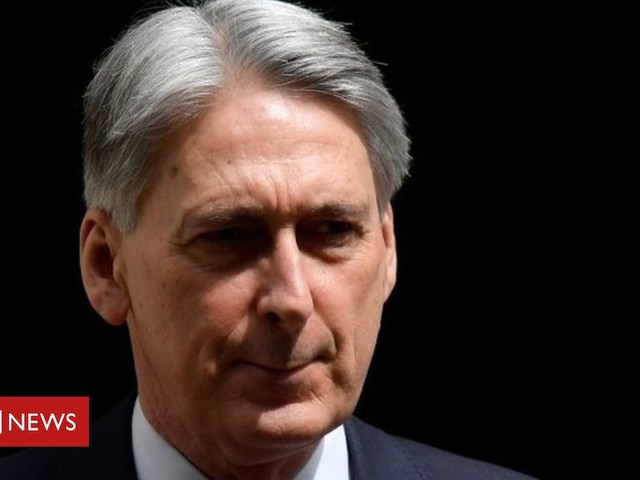 News Daily: Hammond accuses PM over Brexit and Nora's family 'heartbroken'