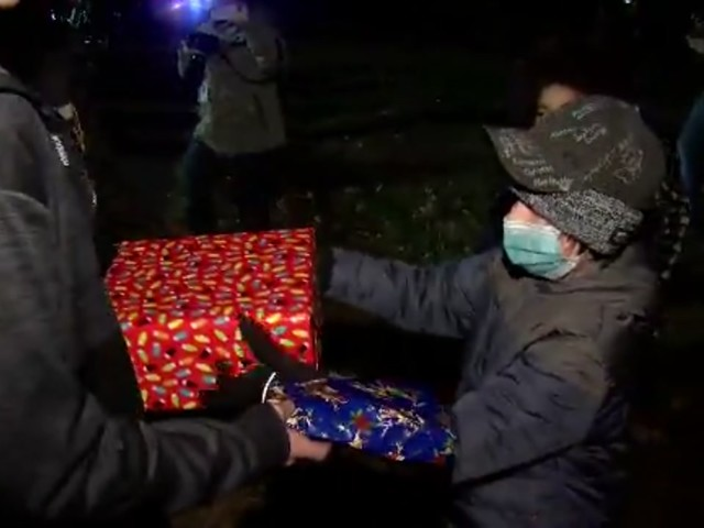 Special Christmas parade thrown for 11-year-old boy with cancer