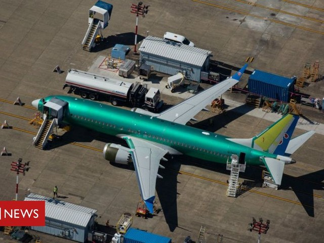 Boeing 737 Max messages raise safety questions