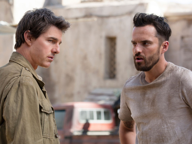 What It's Like When Tom Cruise Is Your Workout Buddy, As Described by Jake Johnson