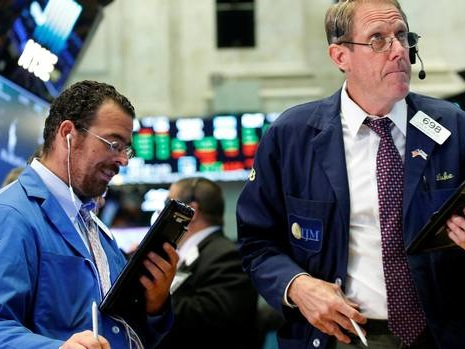 At midday: TSX rises as higher oil, copper prices boost resource stocks