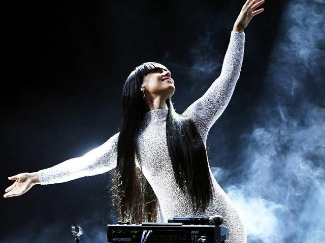 "Alicia Keys Teases Her Return With ""La La"""