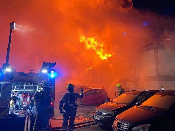 Perivale fire: Huge blaze breaks out at warehouse in north-west London