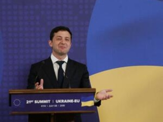 Ukraine's new president invites Putin for talks