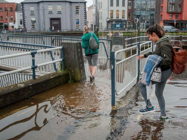 Heavy rain and flooding to hit as Met Eireann issue advisory