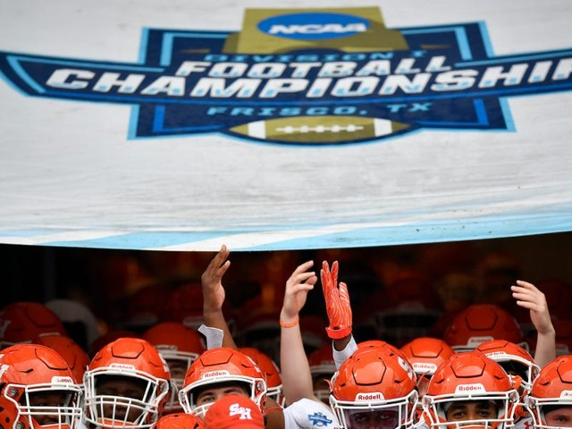 I was a Division I college football player. The Supreme Court's NCAA ruling isn't just a huge moment for college athletes — it's a major warning to America's biggest businesses.