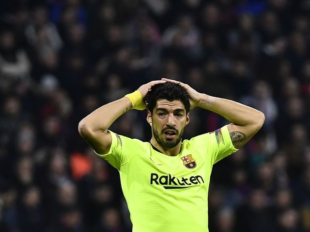 Manchester United 'contact' Barcelona over shock transfer of former Liverpool FC forward Luis Suarez
