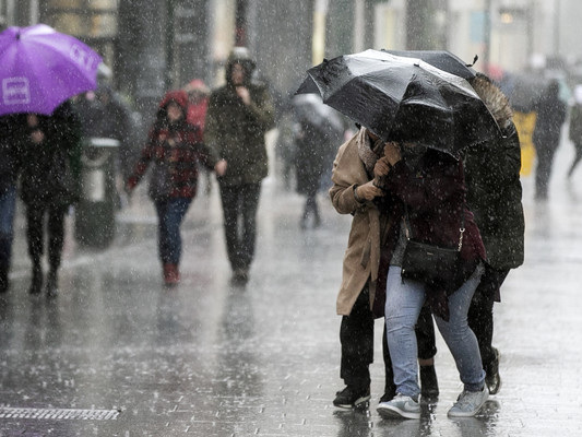 Localised flooding and thunderstorms expected as rain warning in place for 10 counties