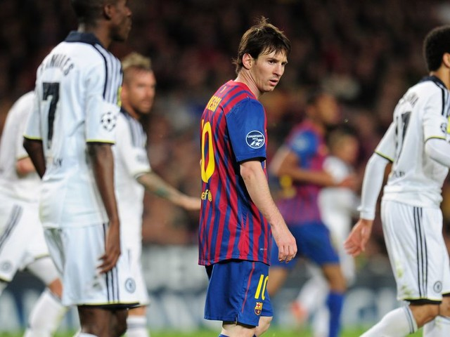 Let's play FIFA 18: Chelsea vs. Barcelona