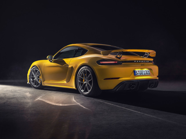 Porsche 718 Cayman GT4 and Boxster Spyder 2019: offical images, specs, prices and release