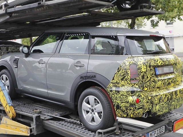 New Mini Countryman 2020 facelift seen in disguise