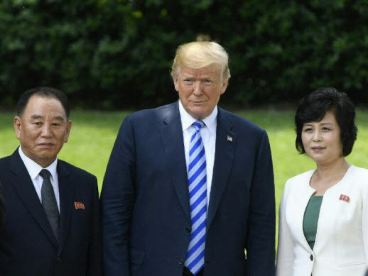 Hard choices for US, N. Korea at high-stakes summit