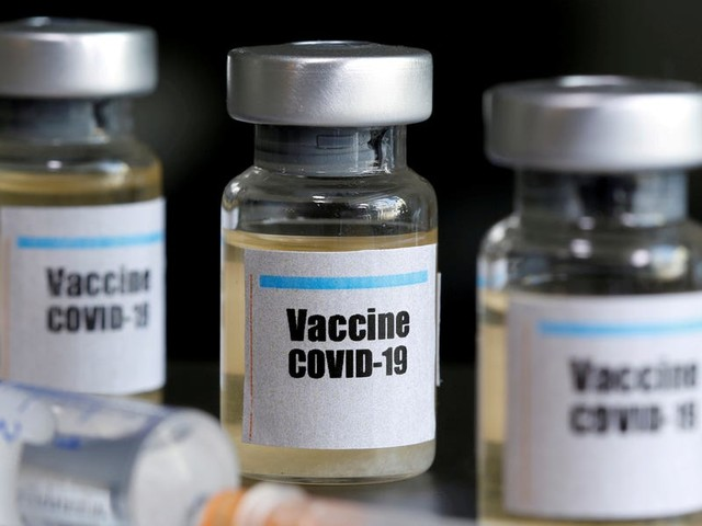Trump says he is 'confident' that the US will have a coronavirus vaccine by the end of the year. Experts say it could take up to 18 months.